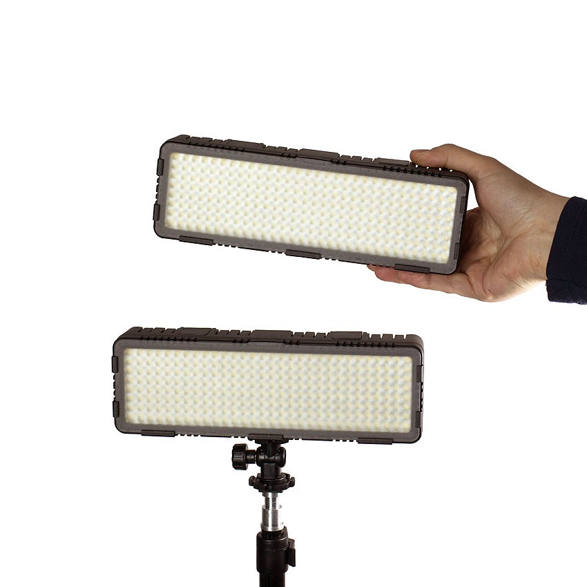 Możliwość łączenia wielu lamp w panele