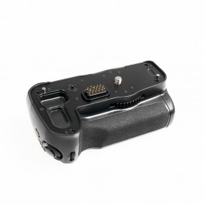 Battery pack/grip D-BG4