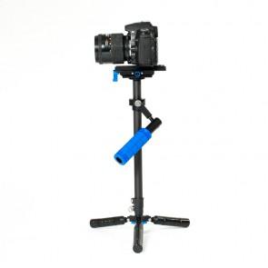 Stabilizator video (steadycam, glidecam, flycam) CG63VS widok na zestaw z aparatem z lewej strony