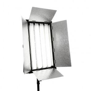 Lampa panelowa typu kinoflo