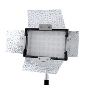 Nakamerowa lampa diodowa LED CN-160(B) z wrotami