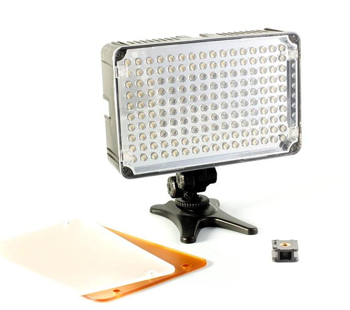 Nakamerowa lampa LED, model AL-160