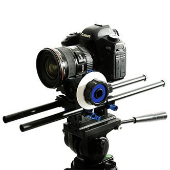 Rail Rod Support™ z zamocowanym Canonem 5D